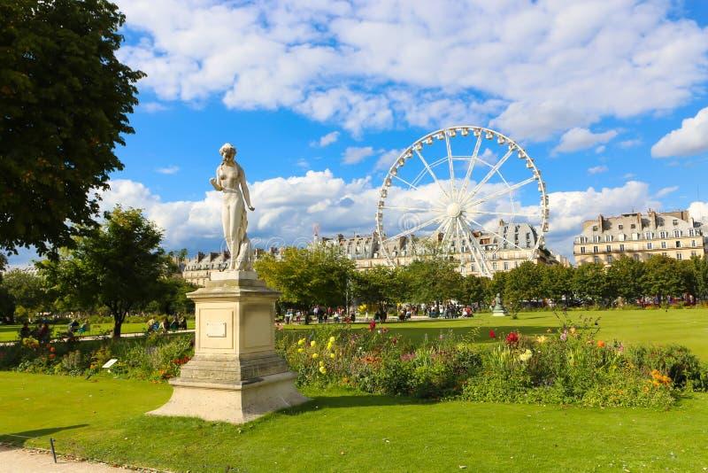 Estatuas de París imagen de archivo