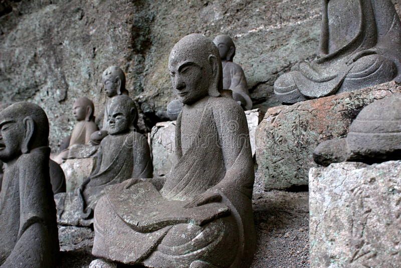 Estatuas del Bodhisattva de Nokogiriyama fotografía de archivo