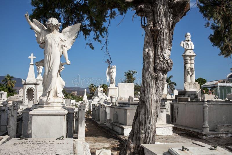 Estatuas del cementerio de Santa Ifigenia foto de archivo
