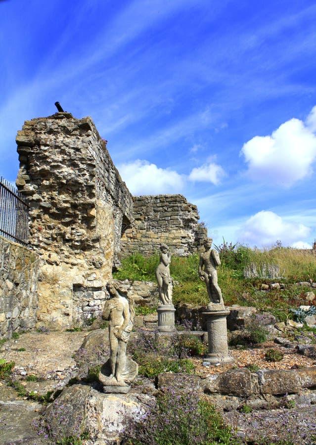 Estatuas del jardín foto de archivo libre de regalías