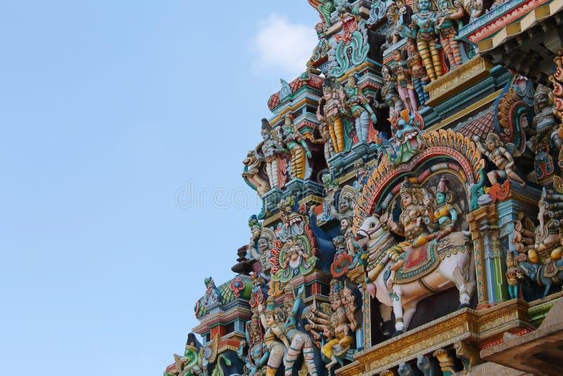 Estatuas en la torre del templo de Madurai Meenakshi Amman foto de archivo libre de regalías