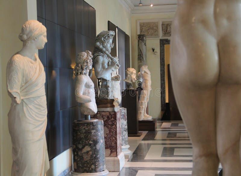 Estatuas en los museos de Capitoline de Roma fotos de archivo