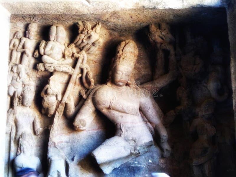 Estatuas quebradas de dioses hindúes imágenes de archivo libres de regalías