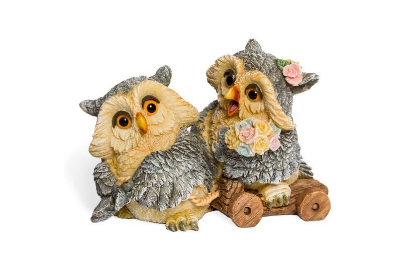 Estatueta de duas corujas dos amantes ilustração do vetor