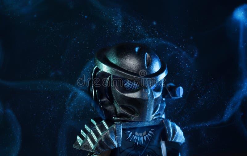Estatueta do filme de LEGO Predator foto de stock