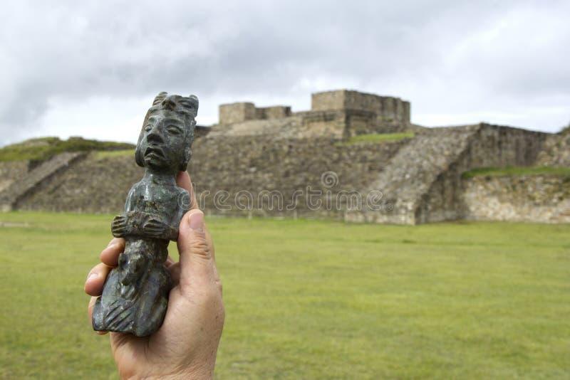 Estatueta do Pre-hispânico imagem de stock royalty free