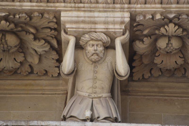 Estatueta do prisioneiro turco, basílica de Santa Croce, Lecce fotos de stock