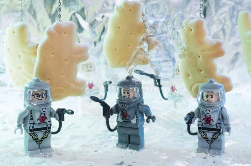 Estatuetas do filme de LEGO Predator imagens de stock royalty free