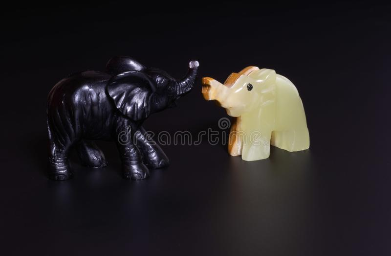 Estatuilla del elefante imagenes de archivo