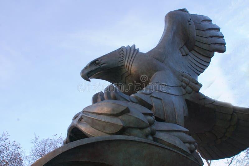 Estatuto del águila fotos de archivo