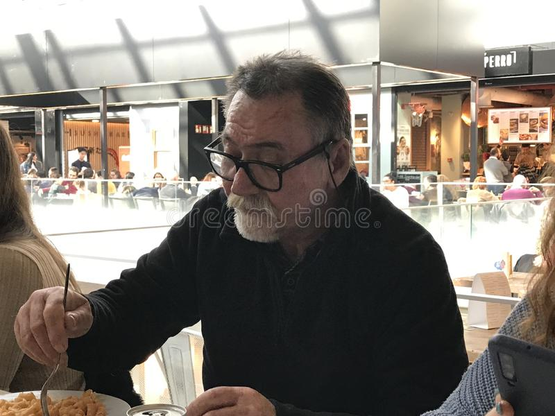 Este é Pablo no restaurante para ao jantar fotografia de stock royalty free