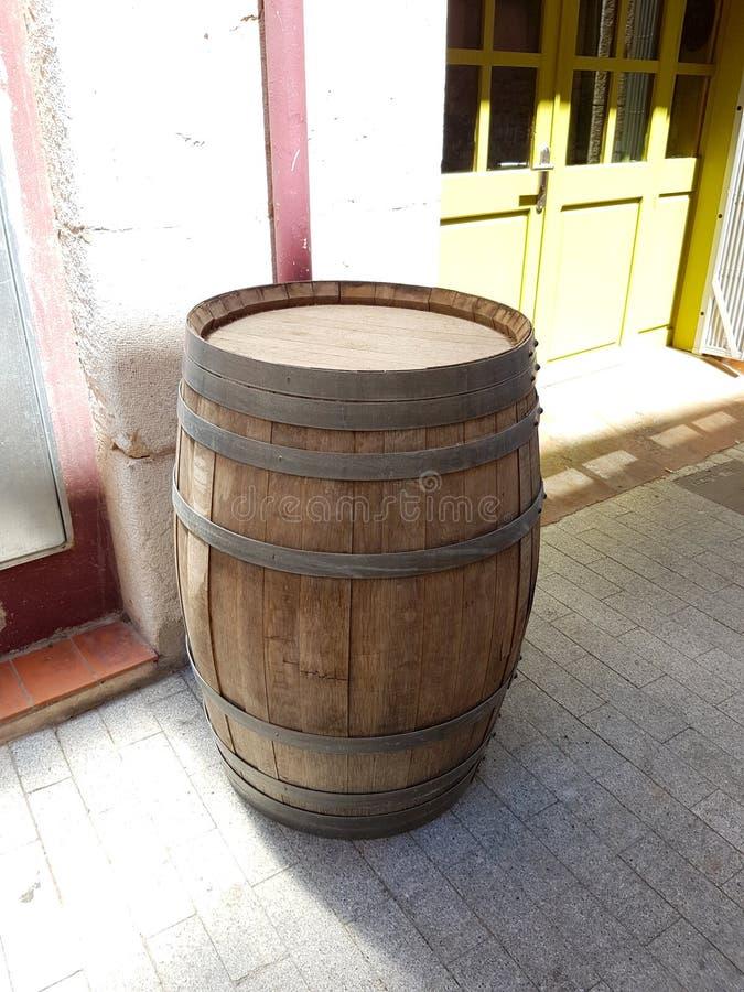 Este é um tambor de vinho de madeira fotografia de stock