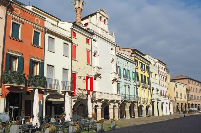 Este, Padova, Италия Главная площадь и свои венецианские здания стиля стоковые фотографии rf
