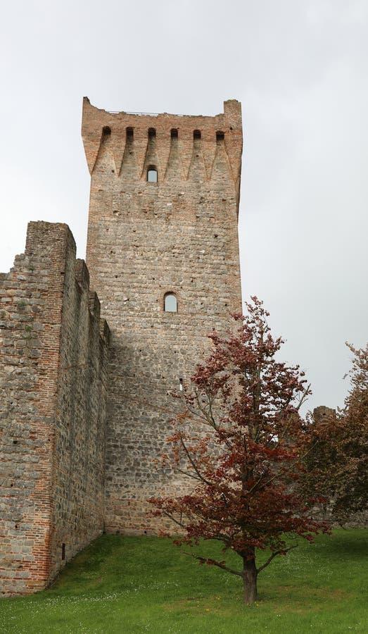 Este, PD, Италия - 29-ое апреля 2019: Башня замка в Ven стоковое изображение