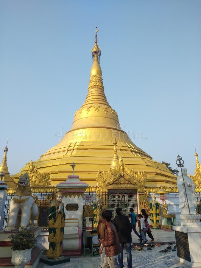Este templo kushinagar uttar Pradesh india imagen de archivo