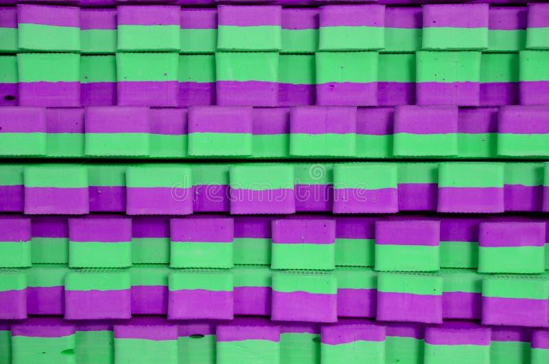 esteiras Verde-violetas dos esportes fotografia de stock
