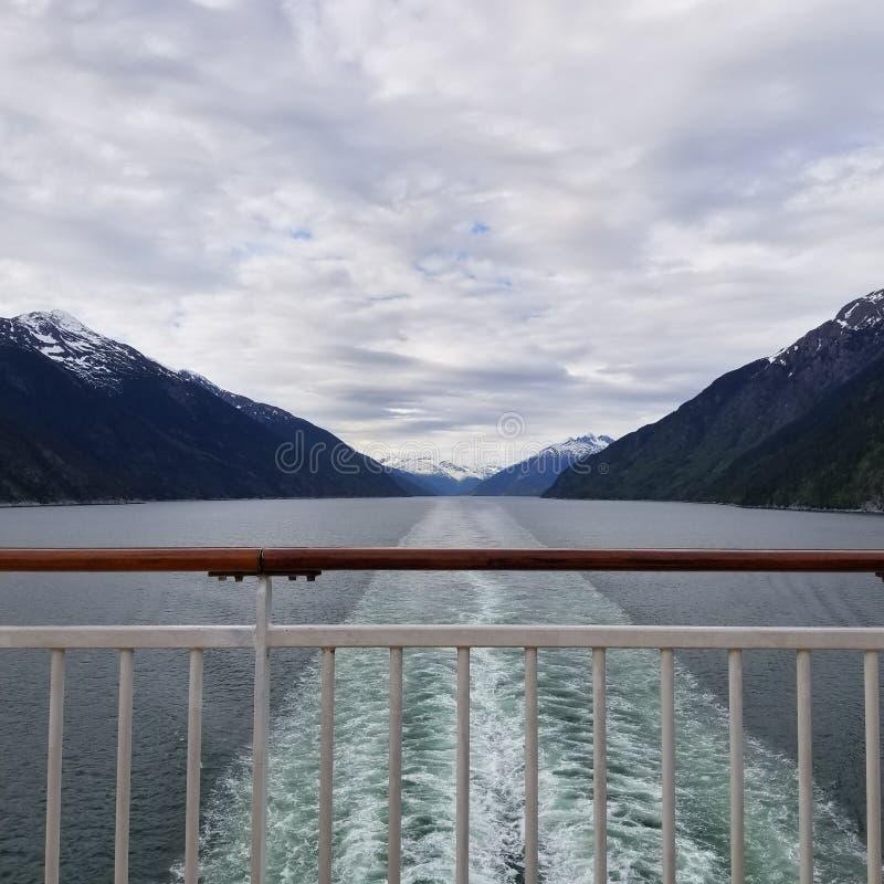 Estela del barco de cruceros foto de archivo libre de regalías