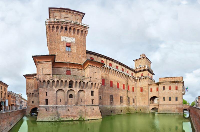 Estense城堡在费拉拉的中心 免版税库存照片