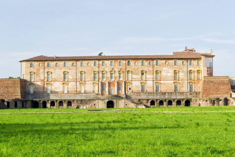 Estensi hertiglig slott i Sassuolo, nära Modena, Italien royaltyfria bilder