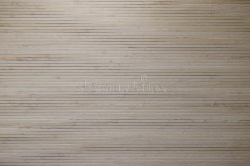 Estera de bambú pegada a la pared imágenes de archivo libres de regalías