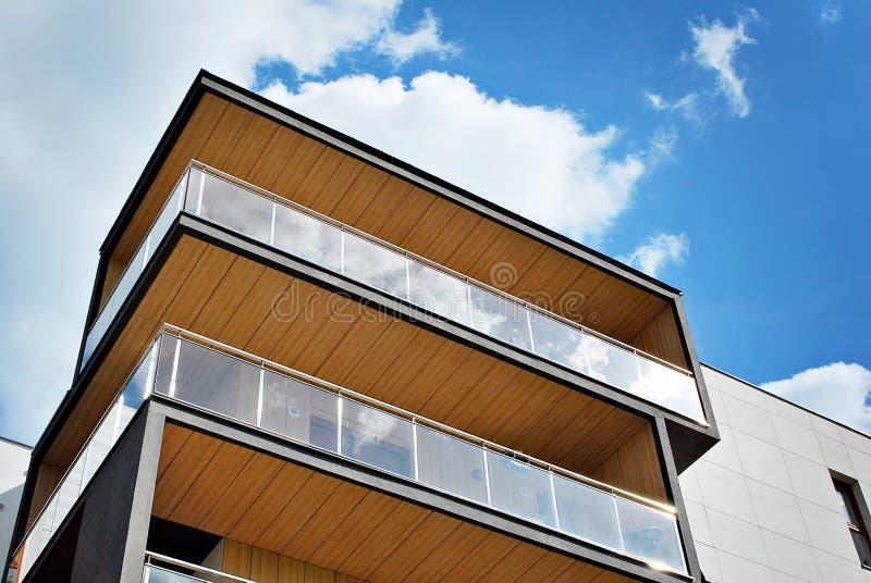 Esterni moderni delle costruzioni di appartamento immagine stock immagine di costruzione - Esterni moderni ...
