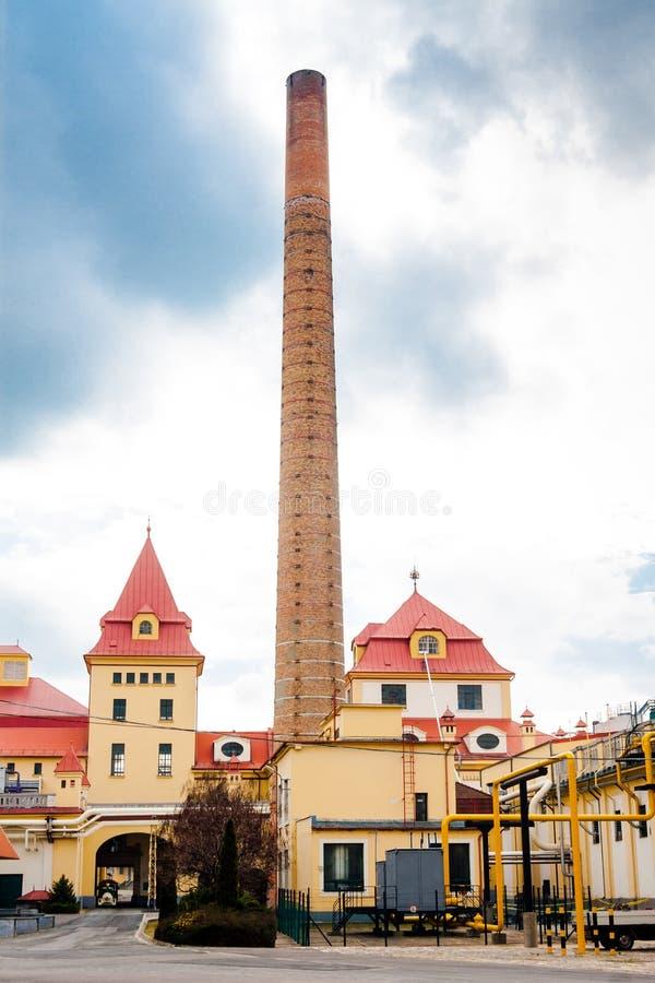 Download Esterno Del Fabbricato Industriale Fotografia Stock - Immagine di industria, inquinamento: 30827510