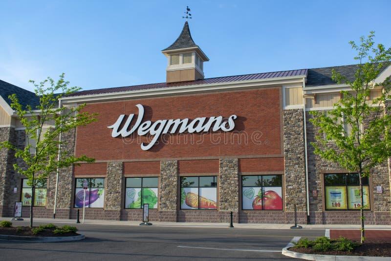 Esterno del supermercato di Wegmans fuori di Richmond, VA immagini stock