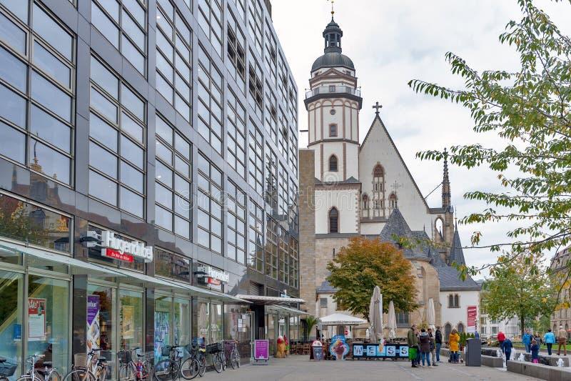 Esterno della st Thomas Church Thomaskirche, una chiesa luterana in Lipsia, Germania immagine stock
