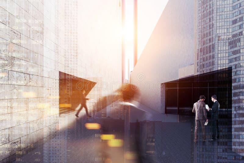 Esterno di costruzione di affari moderni concreti, la gente fotografia stock