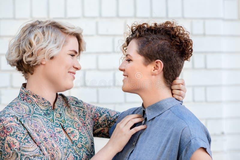 dritto ragazzo Dating un lesbica
