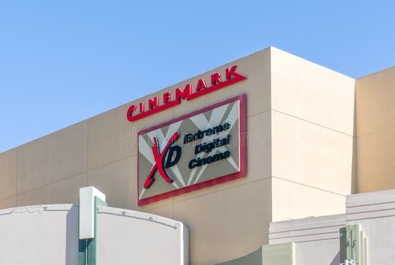 Esterno e logo del cinema di Cinemark fotografie stock libere da diritti