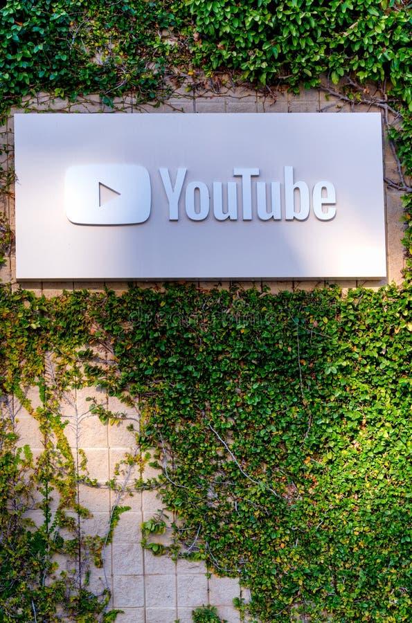 Esterno e segno corporativi delle sedi di YouTube immagine stock