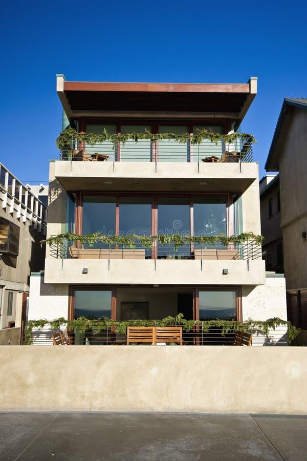 Colore rosa moderno della casa fotografia stock immagine for Colore esterno casa moderno