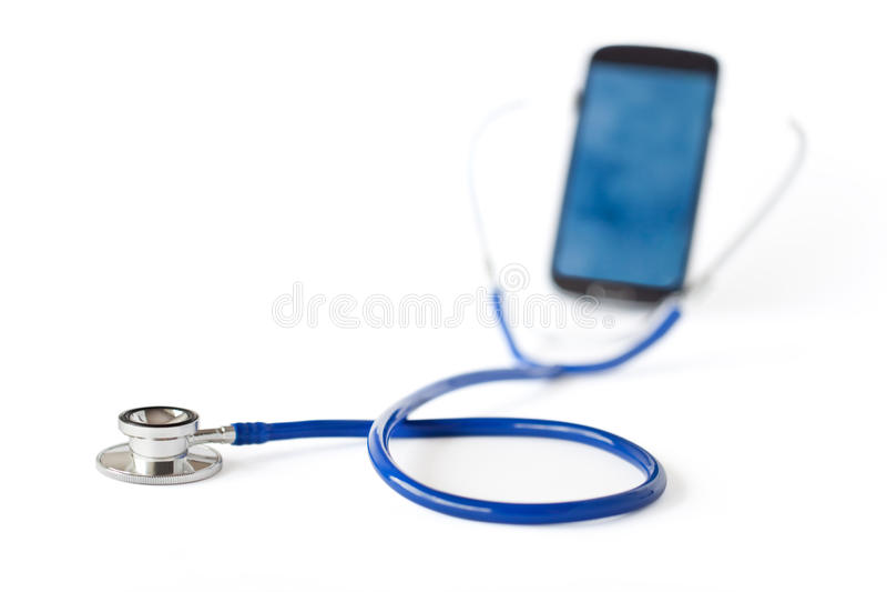 Estetoscópio e telefone celular imagem de stock royalty free