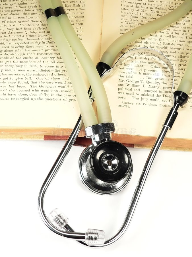 Download Estetoscopio en los libros foto de archivo. Imagen de cardiaco - 1291108