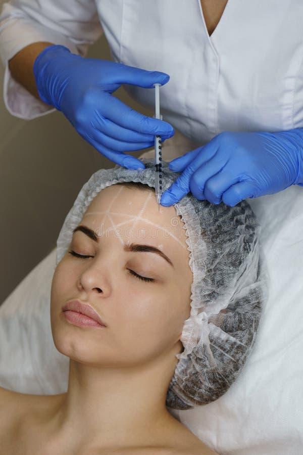 Estetyczna kosmetologia Twarzy dźwignięcie zdjęcia royalty free