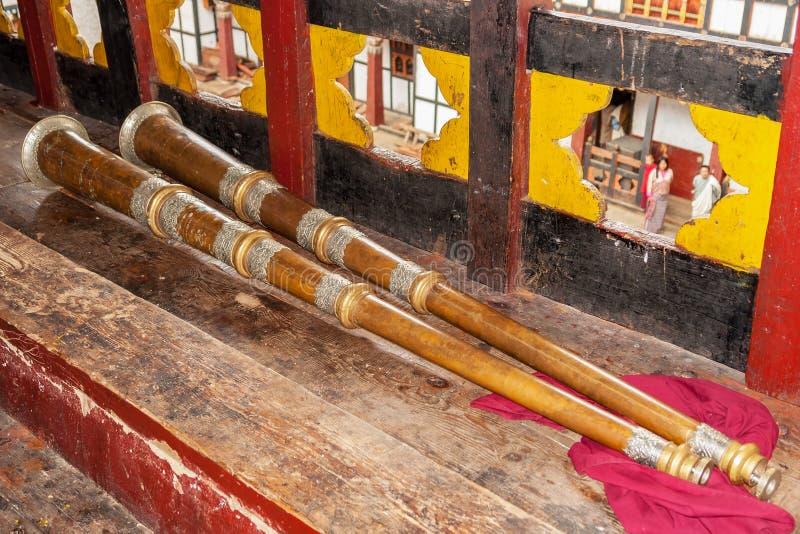 Estiércol, un cuerno tradicional - Bhután fotos de archivo