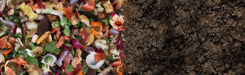 Estiércol vegetal y suelo abonado imagenes de archivo