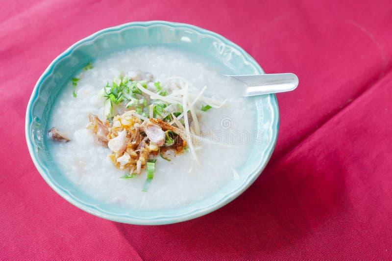 Estilo asiático de las gachas del arroz foto de archivo