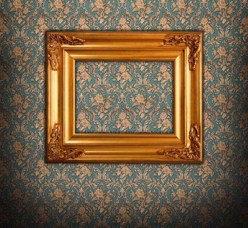 Estilo barroco da moldura para retrato dourada fotos de stock