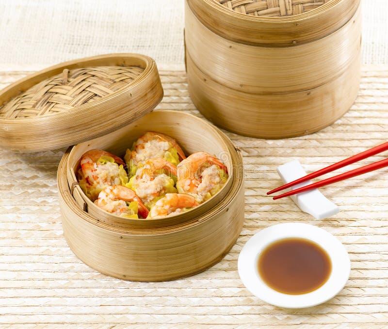 Estilo chinês do alimento da soma não ofuscante do camarão foto de stock