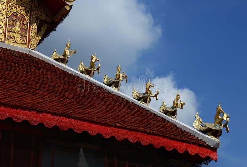 Estilo da arquitetura de Wat San Fang Burmese em Chiang Mai, Tailândia fotos de stock royalty free