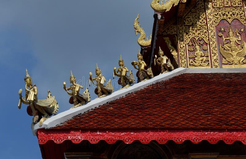 Estilo da arquitetura de Wat San Fang Burmese em Chiang Mai, Tailândia fotografia de stock