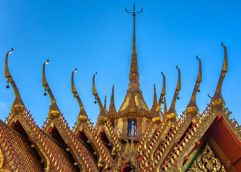 Estilo de Apex del tejado - arquitectura tailandesa clásica ii foto de archivo