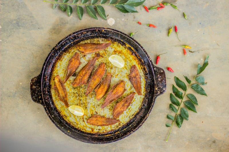 Estilo de kerala do peixe frito - fotografia do alimento imagem de stock
