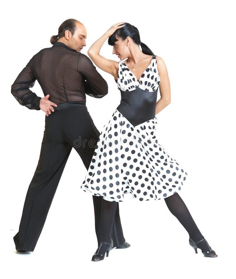 Estilo de latina dos dançarinos dos pares imagem de stock