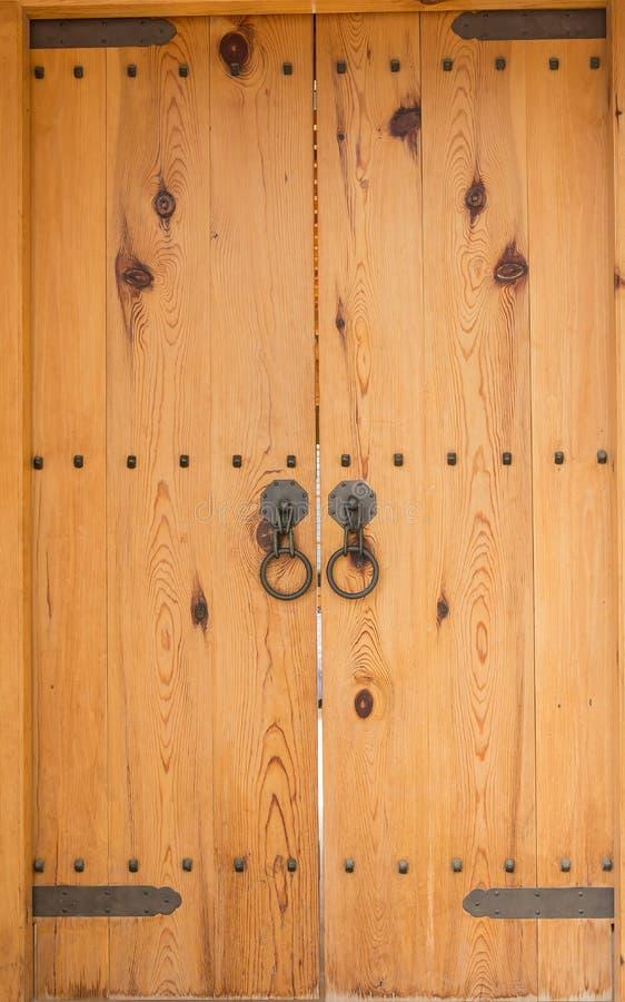 Estilo de madeira velho da porta fotos de stock