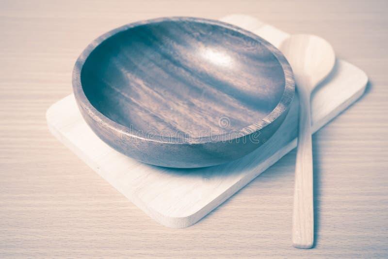 Estilo de madera del vintage del cuenco y de la cuchara fotografía de archivo
