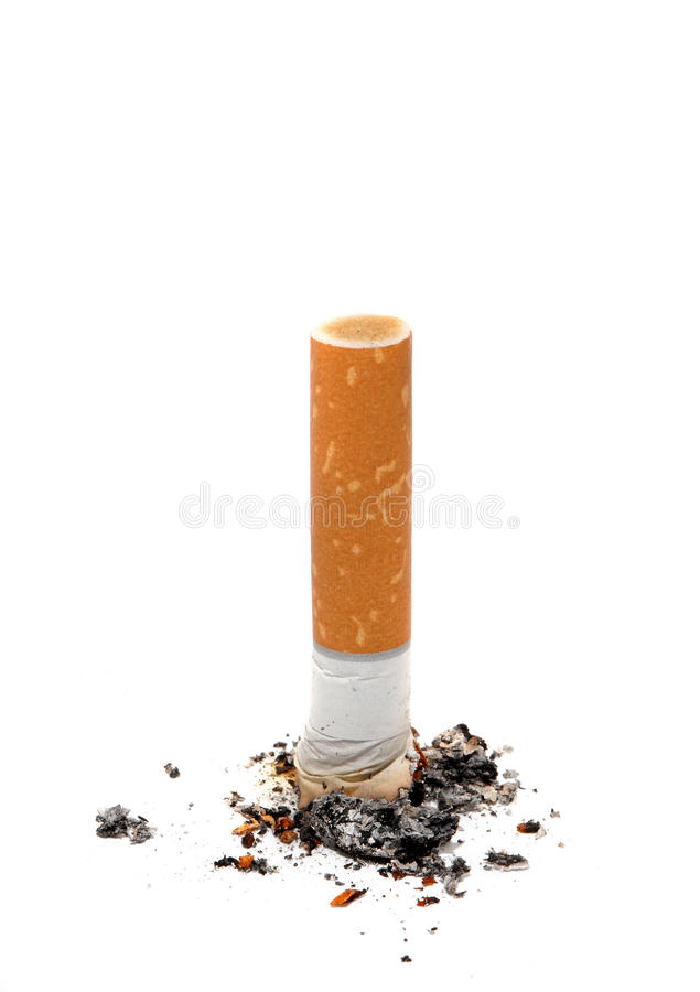 Estilo de vida insalubre da ponta de cigarro fotografia de stock