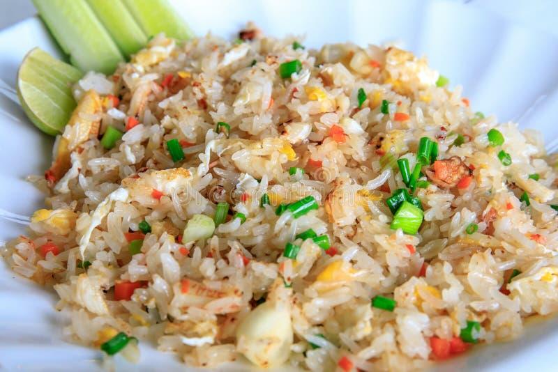 Estilo do alimento de Fried Rice Thai do caranguejo imagem de stock royalty free